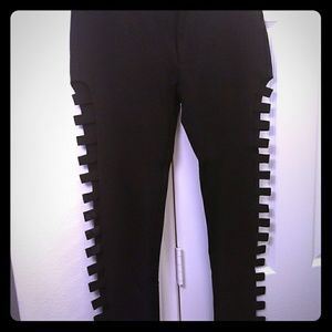 Sassy leggings with open slits on the side